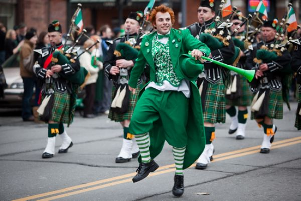f2df4_nyc_st._patrick_s_day_parade_route_2013_St-Patrick-Parade-New-York