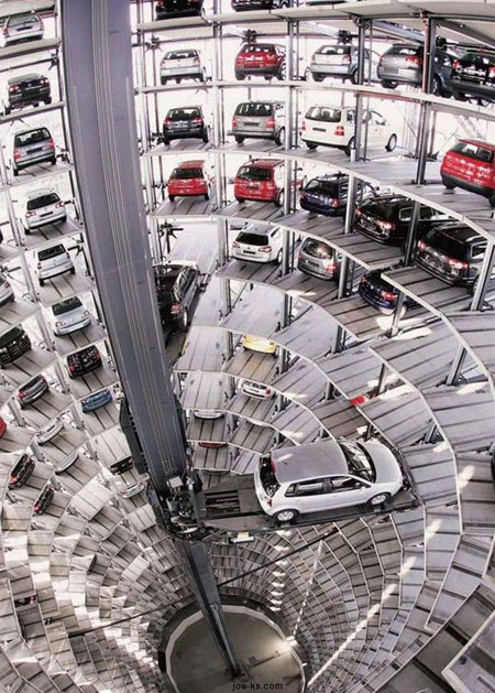 funny-robotic-car-parking-system